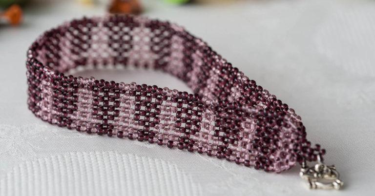 How to Make your Own Peyote Stitch Bracelet
