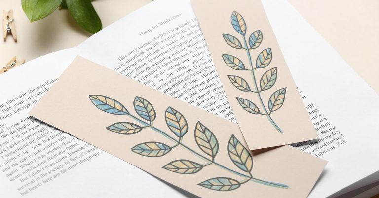 Free Online DIY Photo Bookmarks Tutorials
